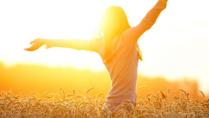 Sun-Healthy-Field-Sunlight-Happy-Nature-Wellbeing-715x403